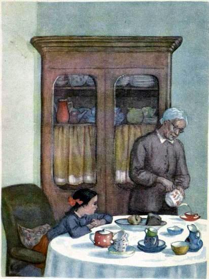 Галя за столом и бабушка наливает чай