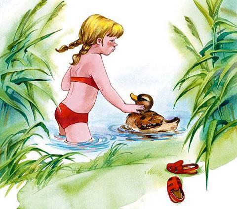 девочка купается с уткой