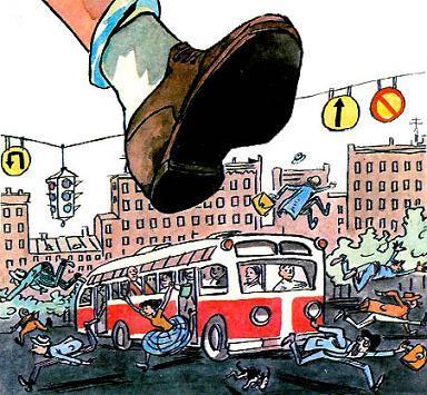 огромная нога наступает на автобус