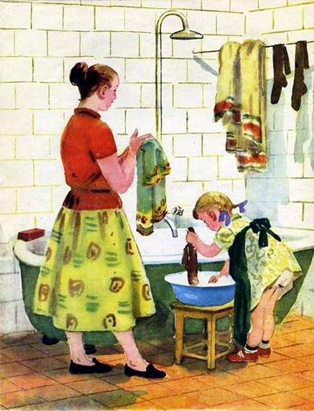 девочка Натка и мама стирают вещи
